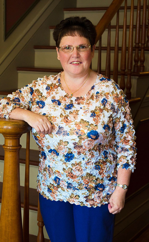 portrait Bev Beireis Collections Manager